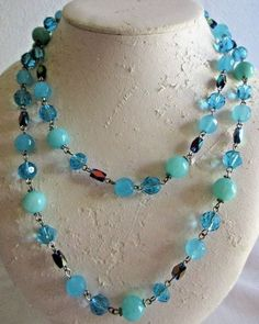 """VINTAGE ESTATE 38"""" SILVERTONE/SHADES OF BLUE LUCITE BEADED NECKLACE"""