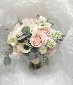 Hääkimppu Helmivillakosta//Weddingflowers from Helmivillakko