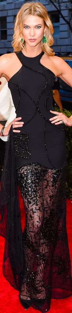 ON THE RED CARPET via LOLO repined BellaDonna updated - Karlie Kloss in Atelier Versace 2015 MET GALA