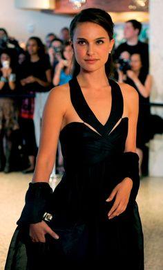 Natalie Portman. I love her dress <3