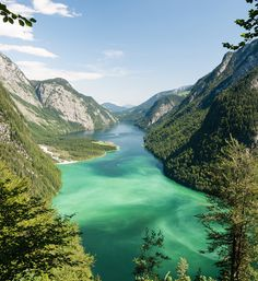 Lying within Germany's national park is Lake Köenigssee.