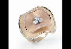 Anna Maria Cammilli - In Photos: Top Italian Jewelry Designs from VicenzaOro Sparkly Jewelry, Diamond Jewelry, Gold Jewelry, Fine Jewelry, Unique Jewelry, Jewellery Rings, Black Jewelry, Tiffany Jewelry, Jewelry Sites
