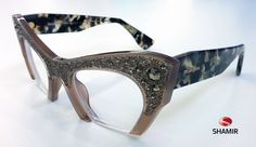 Montaggio speciale #occhiale MIU MIU modello SMU 02Q cal. 50 #Lenti #oftalmiche: SMART SINGLE VISION B 4 HI Index 1.6 odx -3.00 osx -2.75 - 0,50 asse 155 DISTANZA INTERPUPILLARE 31.5 31.5 COATING GLACIER PLUS Tipo di montaggio: ribasso disomogeneo con asole e fori.