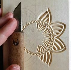 Tatiana Baldina Basic Leaf Layout Pupils get started by Discovering fundamental reducing strategies, developing a basic leaf from cucumber. Wood Carving Designs, Wood Carving Patterns, Wood Carving Art, Carving Tools, Wood Art, Dremel Projects, Wood Projects, Woodworking Projects, Carved Wood Signs
