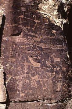 Petroglyphs - Nine Mile Canyon, Utah - Elias Aguilar Ancient Mysteries, Ancient Artifacts, Ancient Aliens, Ancient History, Art Pariétal, Art Rupestre, Cave Drawings, Arte Tribal, Art Ancien