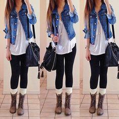 Me encanta este outfits ,perfecto para un día de sol o invierno ,para ir al cine ,una cita o un día de estudio o trabajo , recomendable para adolescentes & jóvenes :) #casacajean #leggins #botinesbrown                                                                                                                                                      Mais