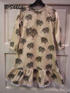 Selia: Hiirikekkerit- mekko