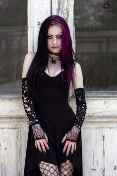 Model: Darya GoncharovaPhoto: Mario Evgeniev - Simply Stylish Photography Welcome to Gothic and Amazing |www.gothicandamazing.org