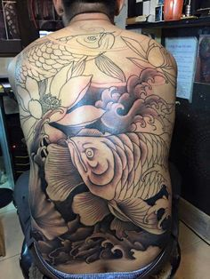 Koi Dragon Tattoo, Carp Tattoo, Koi Fish Tattoo, I Tattoo, Full Body Tattoo, Body Tattoos, Fresh Tattoo, Japan Tattoo, Oriental Tattoo