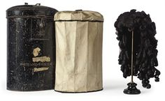 A full-bottomed wig of black curled horse hair ca. 1660 - Christies