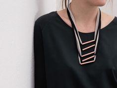 Tutorial fai da te: Come fare una collana multifilo in fettuccia e tubi di rame via DaWanda.com