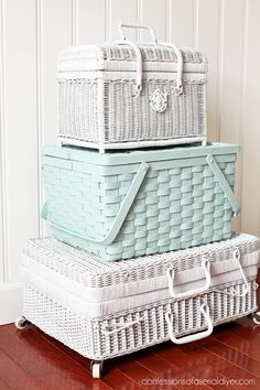 Spray paint picnic baskets to stack for charming extra storage! Spray Painted Baskets, Spray Paint Wicker, Painted Wicker, Spray Paint Storage, Vintage Picnic Basket, Wicker Picnic Basket, Vintage Baskets, Repurposed Furniture, Painted Furniture