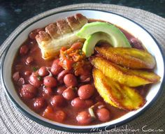 New soup recipes bean meals Ideas Colombian Dishes, My Colombian Recipes, Colombian Cuisine, Great Recipes, Soup Recipes, Cooking Recipes, Healthy Recipes, Recipies, Latin American Food