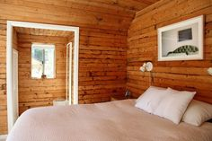 9 Simple and Stylish Tips: Rustic Bedroom Remodel Sinks bedroom remodel cheap home decor.Small Bedroom Remodel Ideas bedroom remodel on a budget how to decorate.Bedroom Remodel On A Budget Home. Knotty Pine Decor, Knotty Pine Walls, Knotty Pine Kitchen, Knotty Pine Paneling, Cabin Homes, Log Homes, Wood Panel Walls, Paneled Walls, Cool Stuff