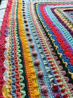 Crochet between worlds: Ta-dah! -FREE- Around the Bases Blanket