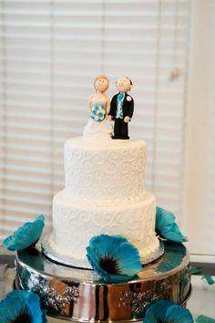 Adorable cake topper! #orlandowedding #caketopper #weddingcake