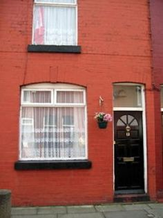 9 Arnold Grove Liverpool 15 Who Lived in This House ? George ? www.freeads4u.co.uk