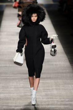Pin for Later: Ein Rückblick auf Karl Lagerfeld's außergewöhnlichste Designs