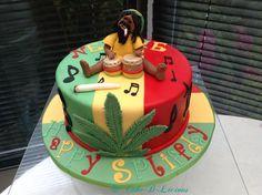 Reggae/Bob Marley - cake by Cake-D-Licious 35th Birthday Cakes, Birthday Cake For Him, Funny Birthday Cakes, Bolos Bob Marley, Bob Marley Cakes, Anniversaire Bob Marley, Cupcakes, Cupcake Cakes, Rasta Cake