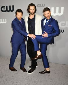 Why isn't Jensen wesring any socks?!?! This upsets me so much...