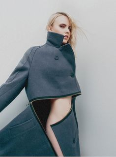 Convertible Coat with graphic zipper detail; pattern cutting; contemporary fashion // Vietto