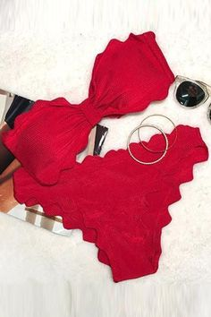 Cupshe Shining Day Waves Halter Bikini Set #halterbikini