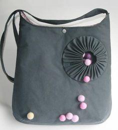 Für diese auffallend schöne Tasche braucht man keine teuren Stoffe - Nähanleitung via Makerist.de