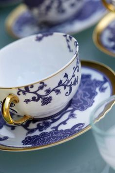 cup & saucer in blue & white Blue And White China, Blue China, White Gold, White Tea Cups, My Cup Of Tea, Chocolate Pots, Tea Cup Saucer, Tea Time, Tea Party