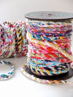 to Make Scrap Fabric Twine Saving sewing scraps for a rainy day? Check out this brilliant tutorial for making your own scrap fabric twine!Saving sewing scraps for a rainy day? Check out this brilliant tutorial for making your own scrap fabric twine! Fabric Art, Fabric Crafts, Sewing Crafts, Fabric Rosette, Wall Fabric, Fabric Ribbon, Fabric Decor, Fabric Flowers, Cotton Fabric