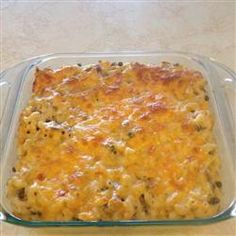 Impress your guests with a quick and easy macaroni and tuna casserole topped with buttery bread crumbs. Tuna Macaroni Casserole, Best Tuna Casserole, Tuna Casserole Recipes, Macaroni Recipes, Pasta Recipes, Cooking Recipes, Fish Recipes, Seafood Recipes, Vegetarian Recipes