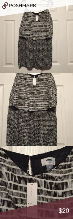 ☀️PRICE DROP 12 HOURS ☀️ Lightweight Romper Cute romper from Old Navy. Adjustable straps. Flattering too that is flowy! Black and white Old Navy Dresses