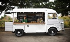 Browse Remodelista posts on Food Trucks to get ideas for your home remodeling or interiors project. The posts below highlight a range of solutions using Food Trucks across a variety of budget levels. Coffee Carts, Coffee Truck, Pool Bar, Wine Truck, Hy Citroen, Foodtrucks Ideas, Mobile Coffee Shop, Mobile Cafe, Mobile Food Trucks