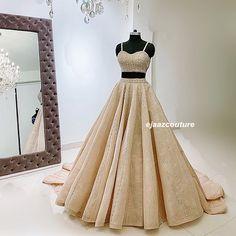 Engagement Outfits, Bridal Outfits, Girl Outfits, Lehenga Crop Top, Latest Bridal Lehenga, Bengali Wedding, Bridesmaid Dresses, Prom Dresses, Indian Attire