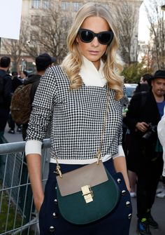 8477853982 The Many Bags of Paris Fashion Week Fall 2015 Celebrity Attendees-24  Perforaciones