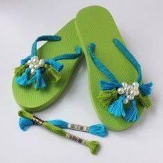 Check out DMC Tassel Flip Flops crafting ideas at A. Flip Flop Slippers, Flip Flop Shoes, Flip Flops Diy, Decorating Flip Flops, Flip Flop Decorations, Flip Flop Craft, Crochet Flip Flops, Shoe Makeover, Retro Girls