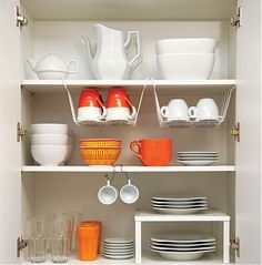 By finding inexpensive kitchen storage ideas, making things accessible and getting rid of all the things you do not use you may become the organization guru Kitchen Organization Pantry, Home Organisation, Diy Kitchen Storage, Home Decor Kitchen, New Kitchen, Home Kitchens, Organized Kitchen, Dishes Organization, Kitchen Storage Solutions