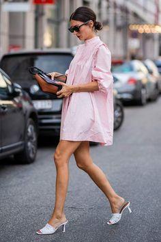 The Best Street Style From Copenhagen Fashion Week Spring/Summer 2019 Look Street Style, Street Style Summer, Look Fashion, Fashion Outfits, Fashion Tips, Fashion Trends, Fashion Images, Fashion 2018, 70s Fashion