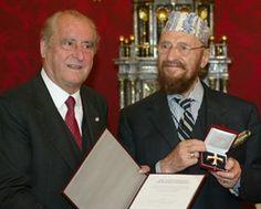 2004 wurde Fuchs von Bundespräsident Thomas Klestil mit dem Österreichischen Ehrenkreuz für Wissenschaft und Kunst erster Klasse ausgezeichnet.