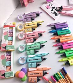 You are in the right place about DIY Stationery items Here we offer you the most beautiful pictures School Stationery, Cute Stationery, Stationery Items, School Supplies Organization, Craft Organization, Office Supplies, Middle School Supplies, Study Room Decor, Stationary Store