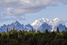 Alaska Peaks.  Photo © Steve Wall/Flickr.