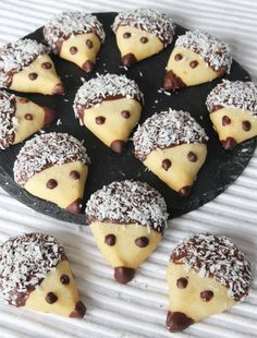 Igelkottkakor - Lindas Bakskola & Matskola Haft Seen, Snack Recipes, Snacks, Fika, Easy Cooking, Food For Thought, Doughnut, Eat Cake, Kids Meals