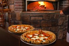 Flatbread Community Oven is an upbeat Neapolitan pizzeria and wine bar specializing in serving authentic wood-fired Neapolitan pizza certified by the Associazione Verace Pizza Napoletana (VPN) of Naples, Italy.