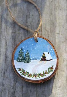Painted Christmas Ornaments, Hand Painted Ornaments, Wooden Ornaments, Christmas Wood, Rustic Wood Decor, Navidad Diy, Theme Noel, Christmas Paintings, Wood Slices