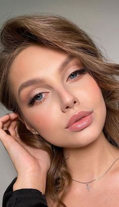 Natural Glam Makeup, Neutral Makeup, Natural Wedding Makeup, Nude Makeup, Blue Eye Makeup, Soft Bridal Makeup, Soft Eye Makeup, Natural Beauty, Makeup On Brown Skin