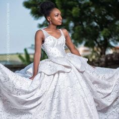 In this bridal themed shoot created by the talented Abusalami Photography, Anto who is the muse portrayed an Edo and Yoruba bride. She later changed into a white wedding dress and a reception dress. Love Fashion, Fashion Design, White Wedding Dresses, Fashion Company, Celebrity News, Photoshoot, News Latest, Bride, Bambam