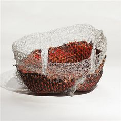 Buy online, view images and see past prices for Naomi Wanjiku Gakunga (né en First Fruits, 2011 Fil d'acier inoxydable et perles en acier galvanisé 59 × 36 × 18 cm. Naomi, Decorative Bowls, 18th, Fruit, Baskets, Mixed Media, Collage, Galvanized Steel, Beads