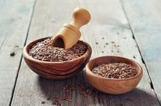 Why Flaxseed is a Girl's Best Friend - Shedoesthecity Health Tips, Health And Wellness, Health Fitness, Le Psoriasis, Colon, Check Up, Healthy Diet Recipes, Good Fats, Mortar And Pestle