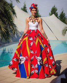 Les designers se laissent inspirer par les différents imprimés disponibles sur le marché, pour créer des robes de mariée entièrement faites de pagne wax
