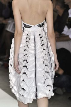 Structured fabric manipulation for fashion design with tiered pleats & decorative 3D folds - two-tone dress; couture sewing inspiration // Lie Sang Bong