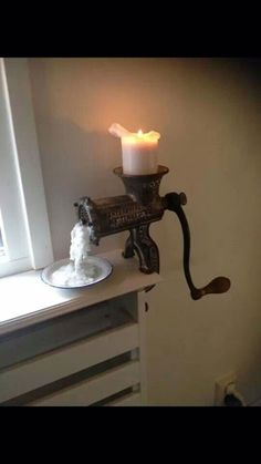 Meat left over candle holder – upcycling ideas for decor and furnishings – … - All For Home İdeas Types Of Furniture, Furniture Projects, Furniture Design, Rustic Style, Rustic Furniture, Candlesticks, Farmhouse Decor, Repurposed, Diy Home Decor